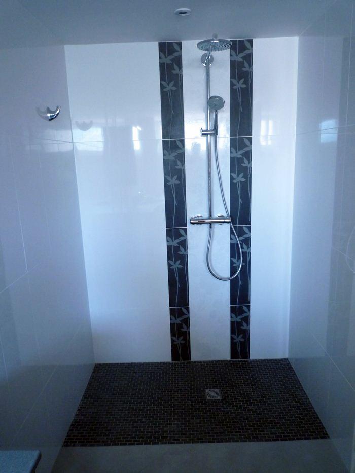 Chauffage-energies-renouvelables-salle-de-bains-sur-mesure-Gabriel-Jeannot_salle-de-bain001_1317754640 (1)