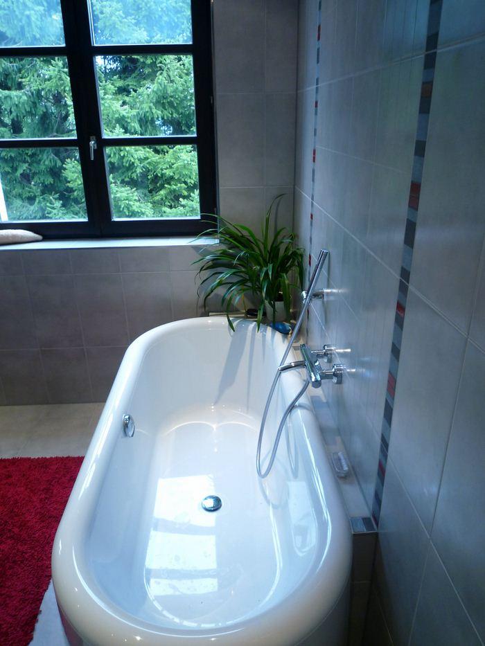 Chauffage-energies-renouvelables-salle-de-bains-sur-mesure-Gabriel-Jeannot_salle-de-bain006_1317754537-1 (1)