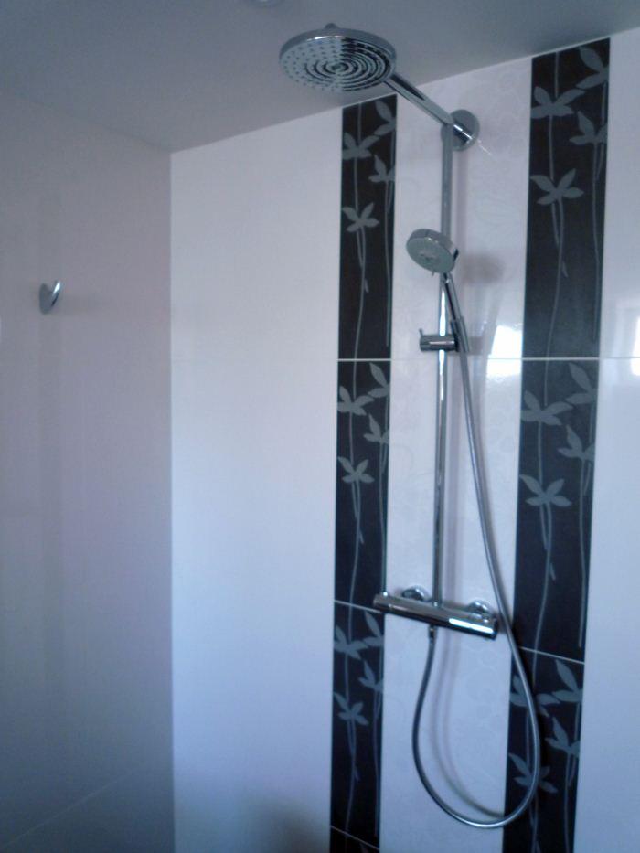 Chauffage-energies-renouvelables-salle-de-bains-sur-mesure-Gabriel-Jeannot_salle-de-bain013_1317754627