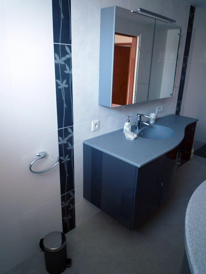 Chauffage-energies-renouvelables-salle-de-bains-sur-mesure-Gabriel-Jeannot_salle-de-bain014_1317754628