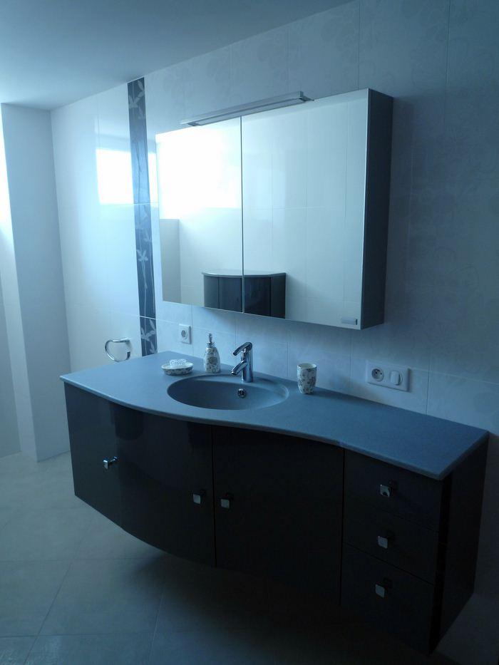 Chauffage-energies-renouvelables-salle-de-bains-sur-mesure-Gabriel-Jeannot_salle-de-bain017_1317754624