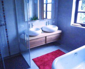 Chauffage-energies-renouvelables-salle-de-bains-sur-mesure-Gabriel-Jeannot_salle-de-bains-gabriel-jeannot-2_1317754811-300x242